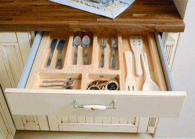 country: solid wooden cutlery tray